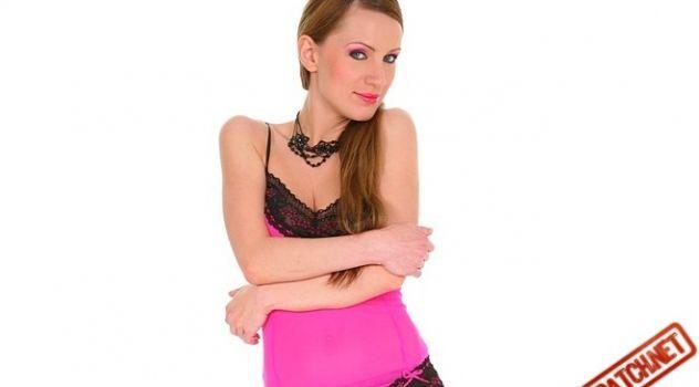 Virtual Girl Olga Barz, desktop: Smart style..