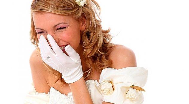 Virtual Girl Jewel, desktop: Just Married..