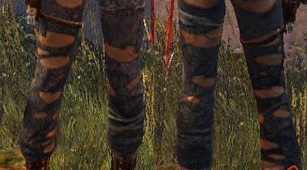 Nude Raider 2013 – Lara's Ripped Pants